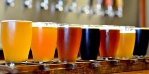 cervejas-artesanais-em-seus-copos
